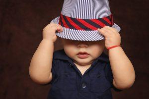 fotografia infantil con sombrero